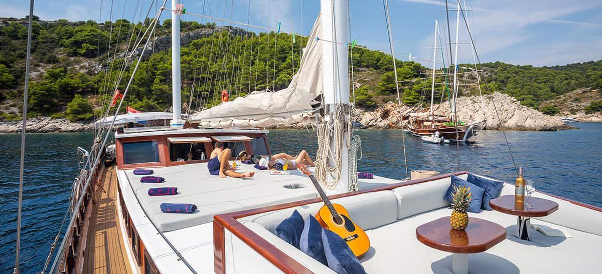 motor sailer Bonaventura