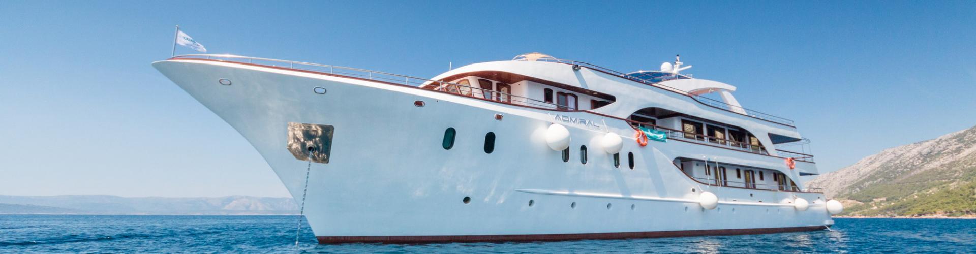 2015. Deluxe cruiser MV Admiral