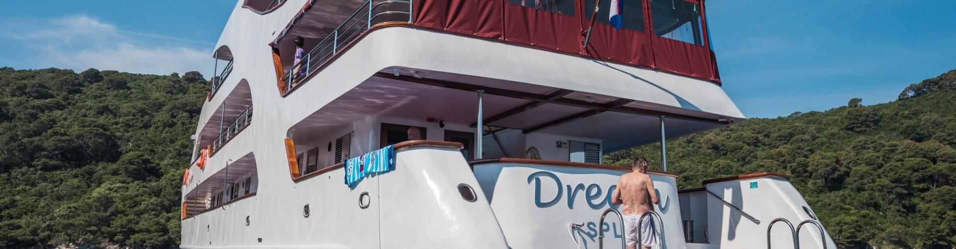 motor boat Premium Superior cruiser MV Dream