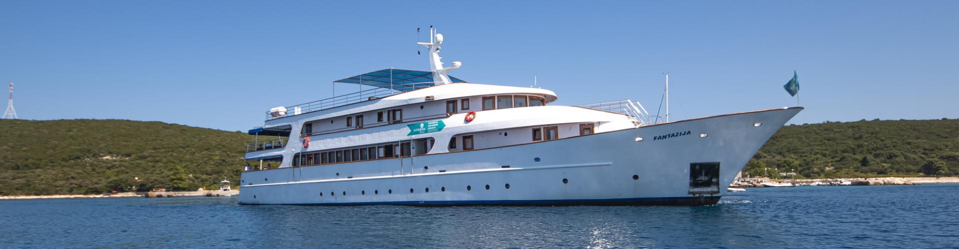 Deluxe cruiser MV Fantazija- motor yacht