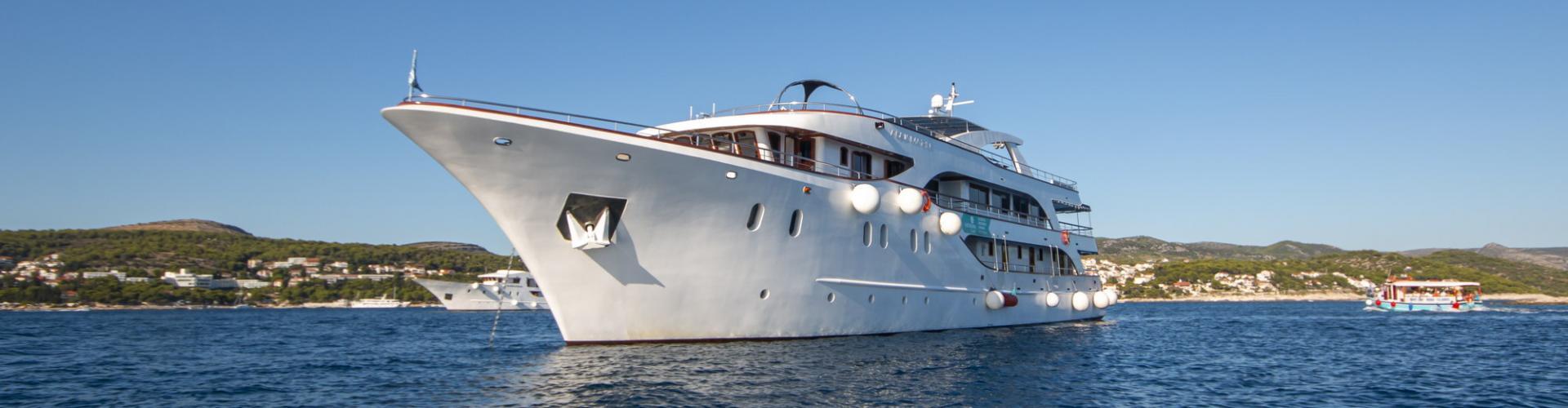 2017. Deluxe cruiser MV Aquamarin