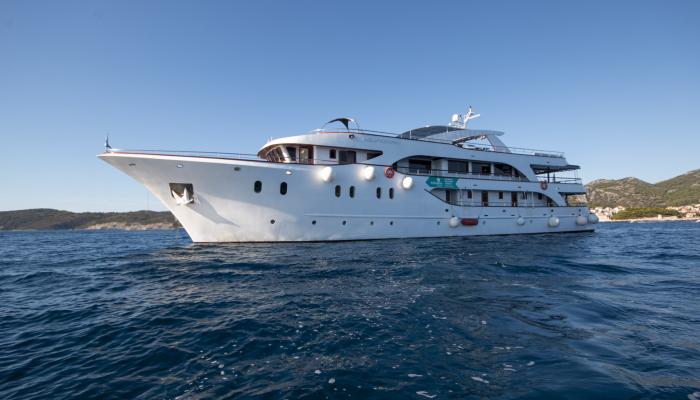 Deluxe cruiser MV Aquamarin