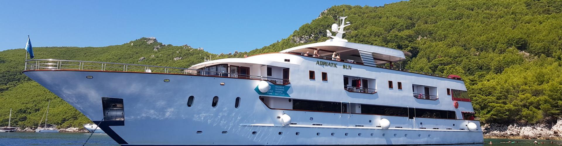 Deluxe Superior cruiser MV Adriatic Sun- motor yacht