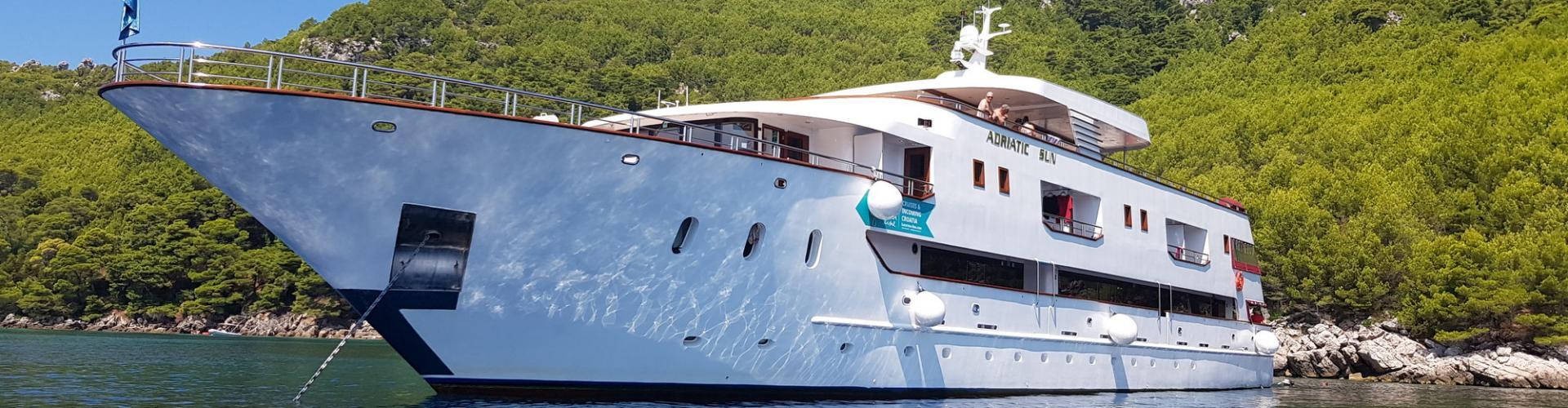2018. Deluxe Superior cruiser MV Adriatic Sun