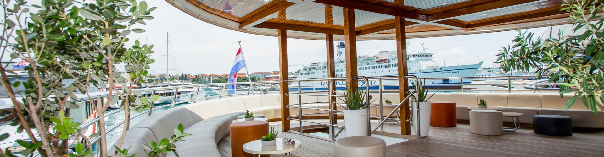 motor boat Deluxe Superior cruiser MV Futura