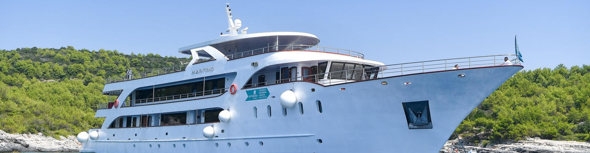 Deluxe Superior cruiser MV Maritimo- motor yacht