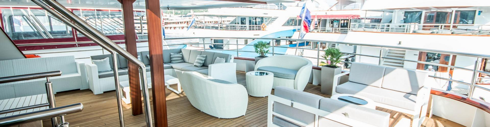 motor boat Deluxe Superior cruiser MV Markan