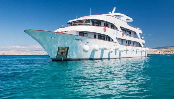 Premium Superior cruiser MV Amalia