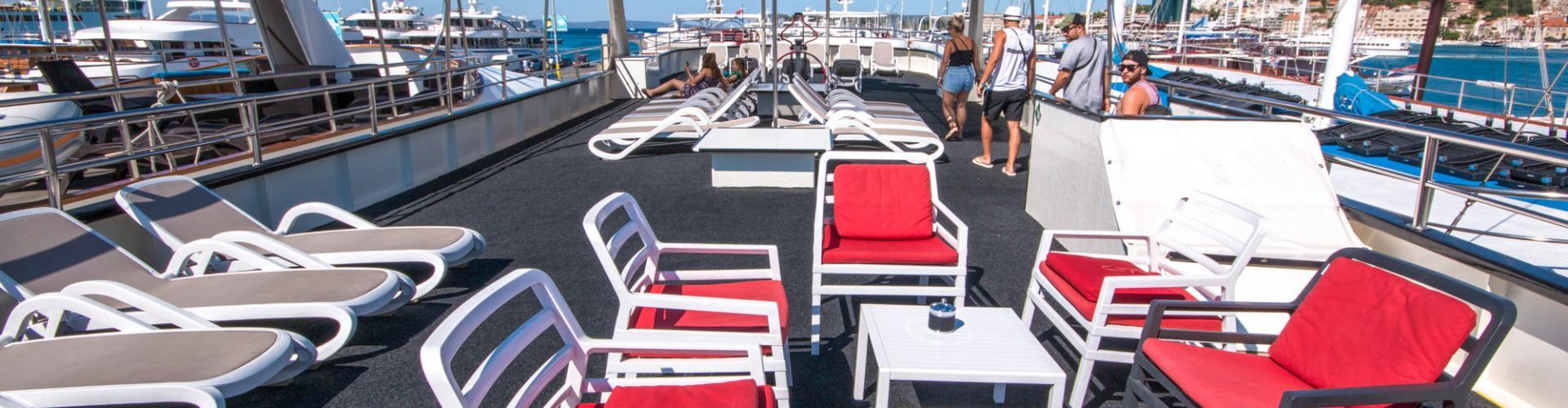motor boat Premium Superior cruiser MV Majestic