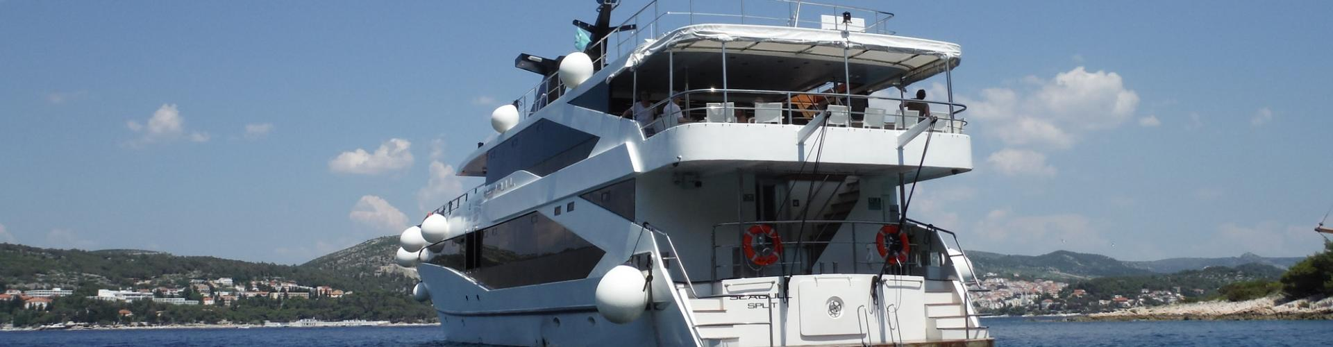 1983. Premium Superior cruiser MV Seagull