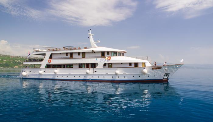 Premium Superior cruiser MV Spalato