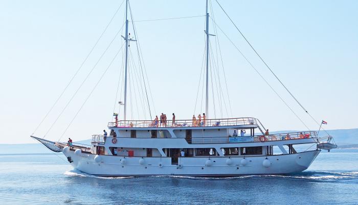 Premium cruiser MV Dionis
