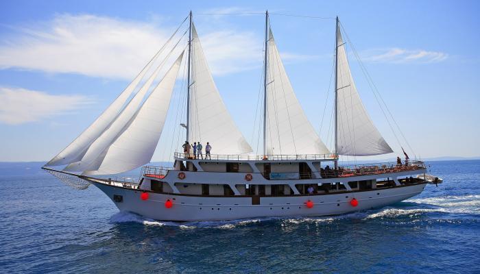 Premium cruiser MV Eos