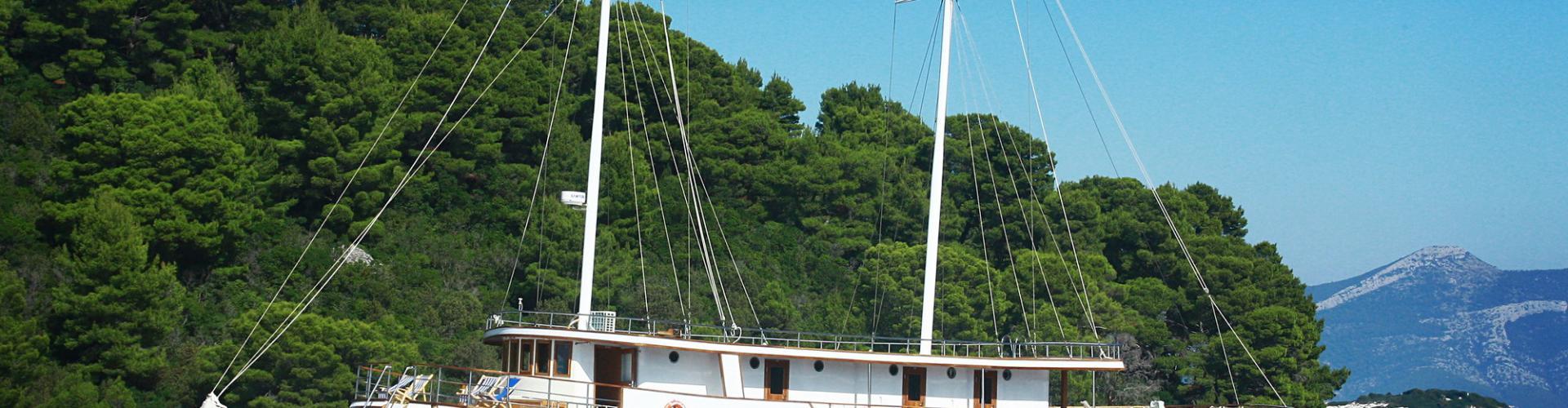 Premium cruiser MV Meridijan- motor sailer