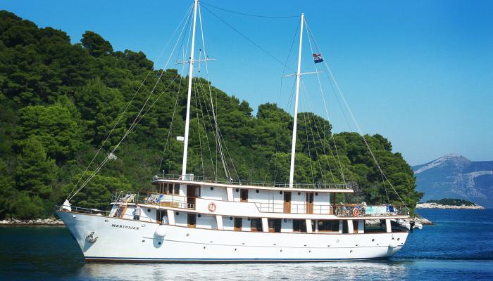 Premium cruiser MV Meridijan