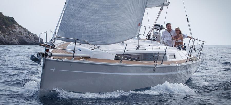 2015. Bavaria Cruiser 33