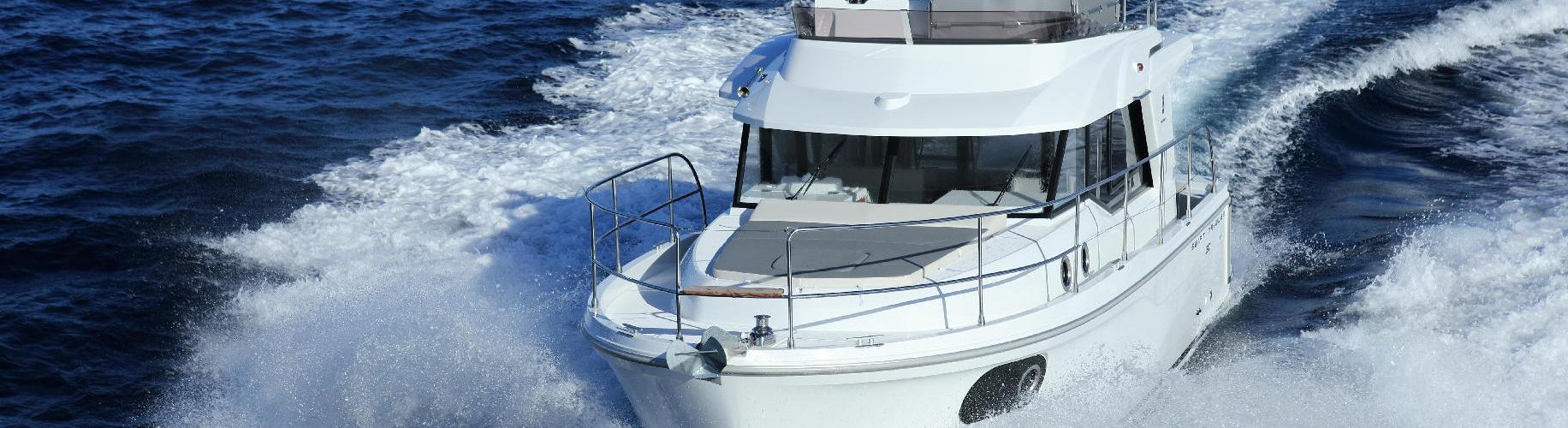 motor boat Swift Trawler 30