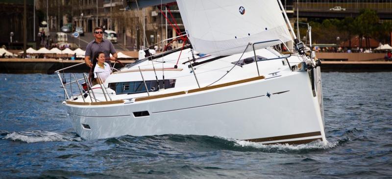 sailboat Sun Odyssey 379