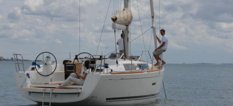 sailboat Dufour 335
