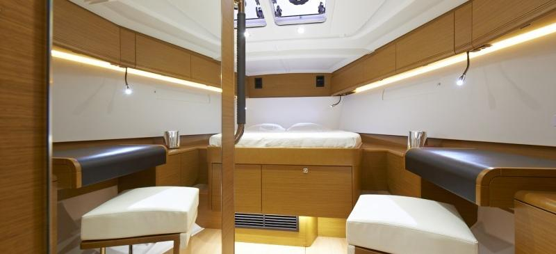 sailboat Sun Odyssey 469