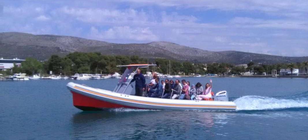 motor boat Colnago 27