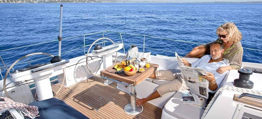 sailboat Bavaria Vision 42