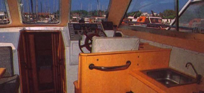 motor boat Adria 1002