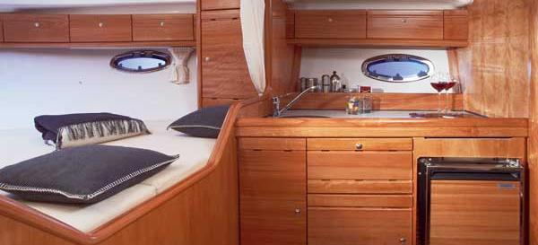 motor boat Bavaria 32 Sport