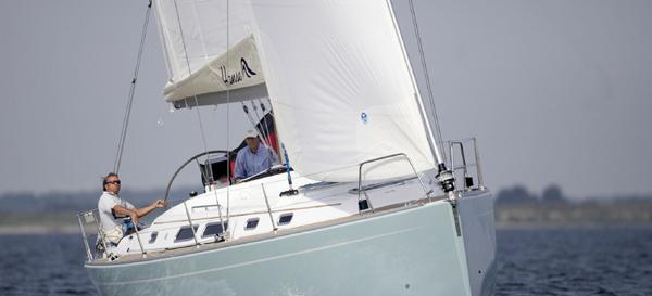 sailboat Hanse 400