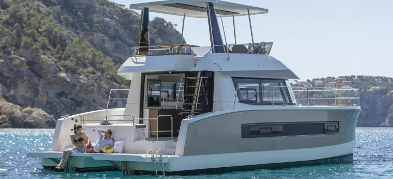 motor boat Fountaine Pajot MY 37