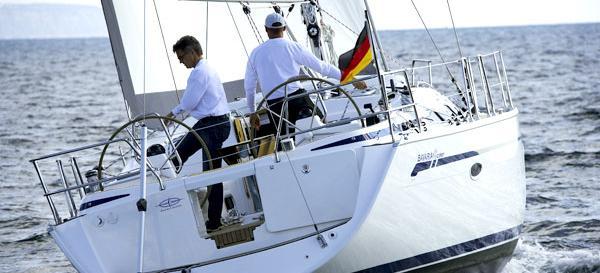 sailboat Bavaria 43 Cruiser