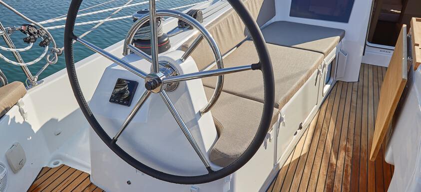 sailboat Sun Odyssey 410