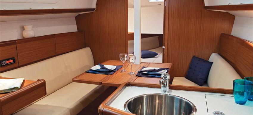 sailboat Sun Odyssey 30i