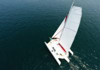 trimaran from above mast flatten main sail