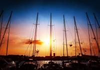 Sailing into the Sunset – Tips for Sailing at Night