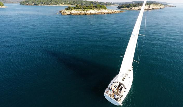Boat Review: Sailing Yacht Hanse 505
