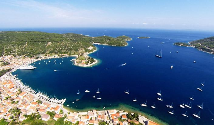 Sailing to Vis - the Mediterranean as it once was… I Promise!