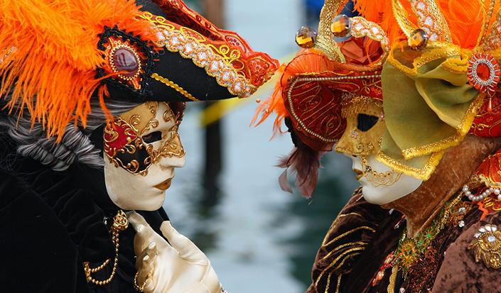 Experience the carnival madness in Venice by boat!