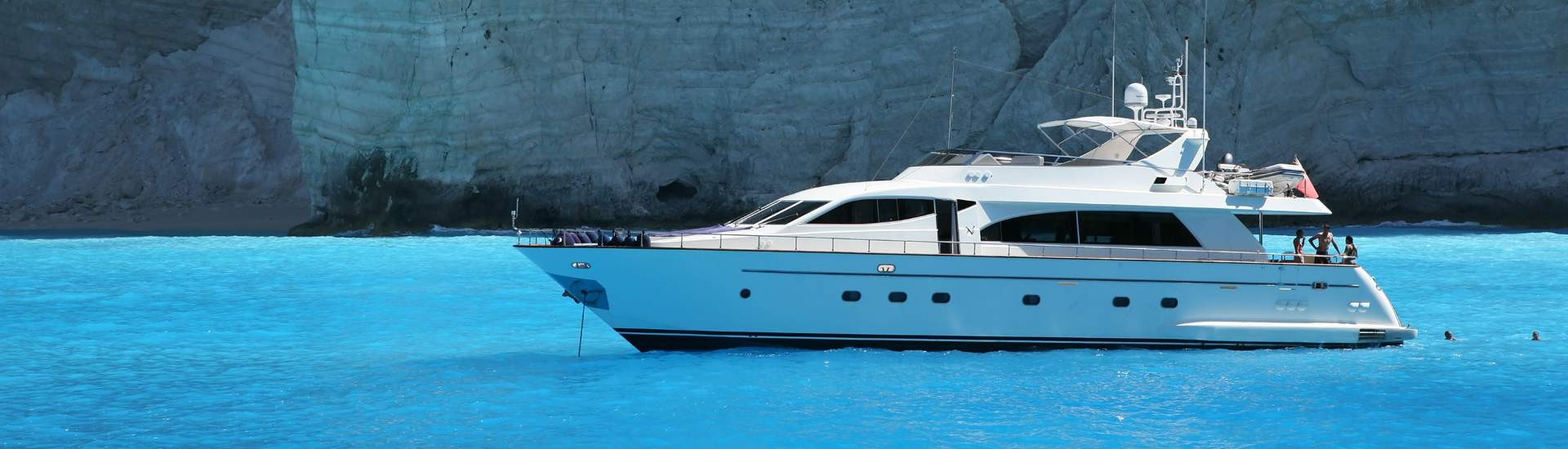 Yacht charter greece motor yachts greece for Motor boat rental greece