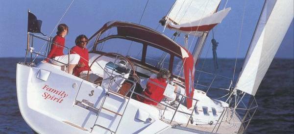 sailboat Oceanis 393