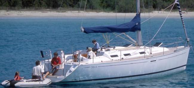 2007. Dufour 385