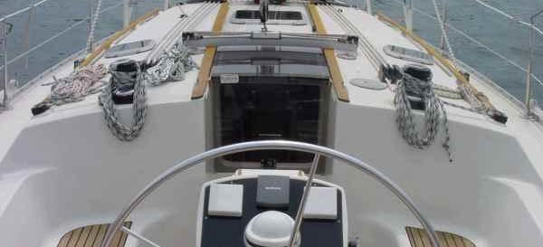sailboat Sun Odyssey 37.1
