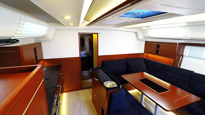 Sailing yacht Hanse 505 - interior