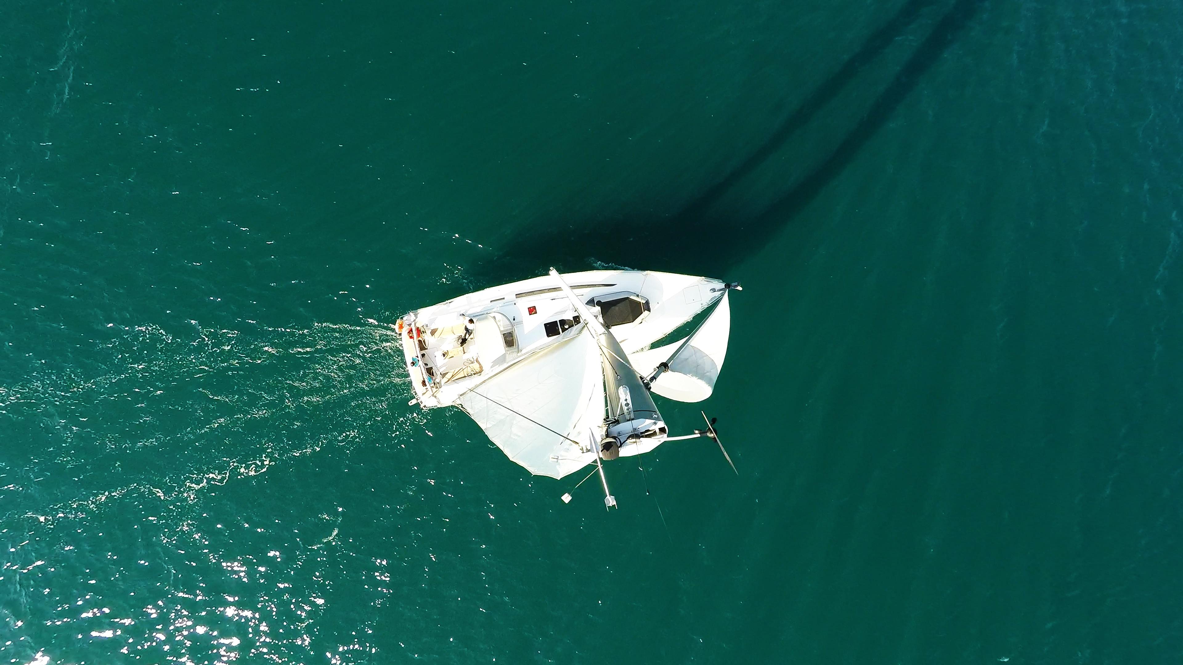 sailing yacht wind indicator top mast sailing yacht sails