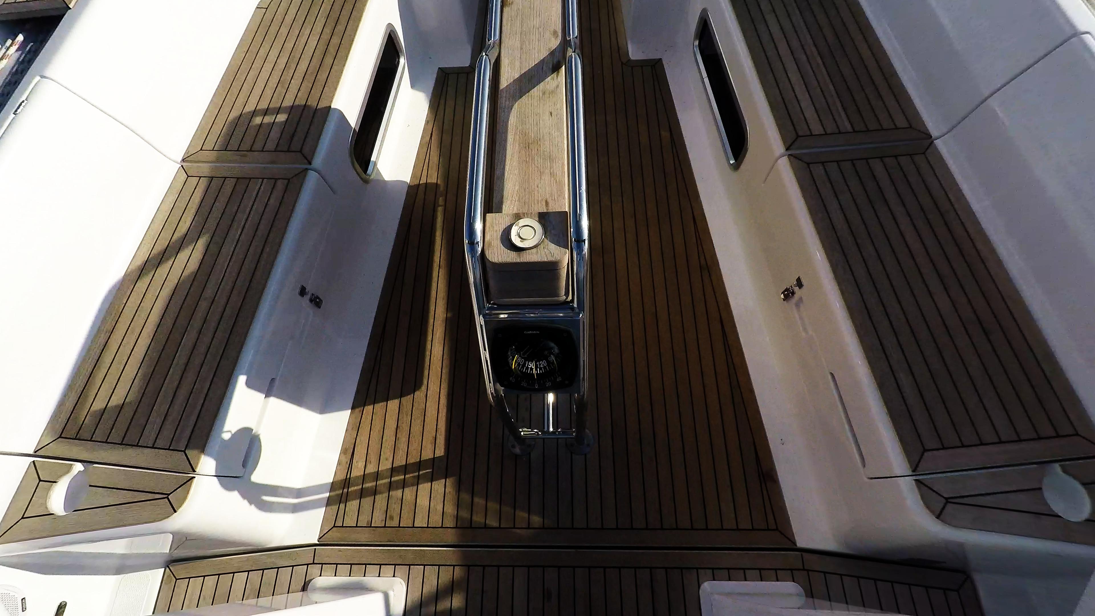sailing yacht teak cockpit Hanse 505