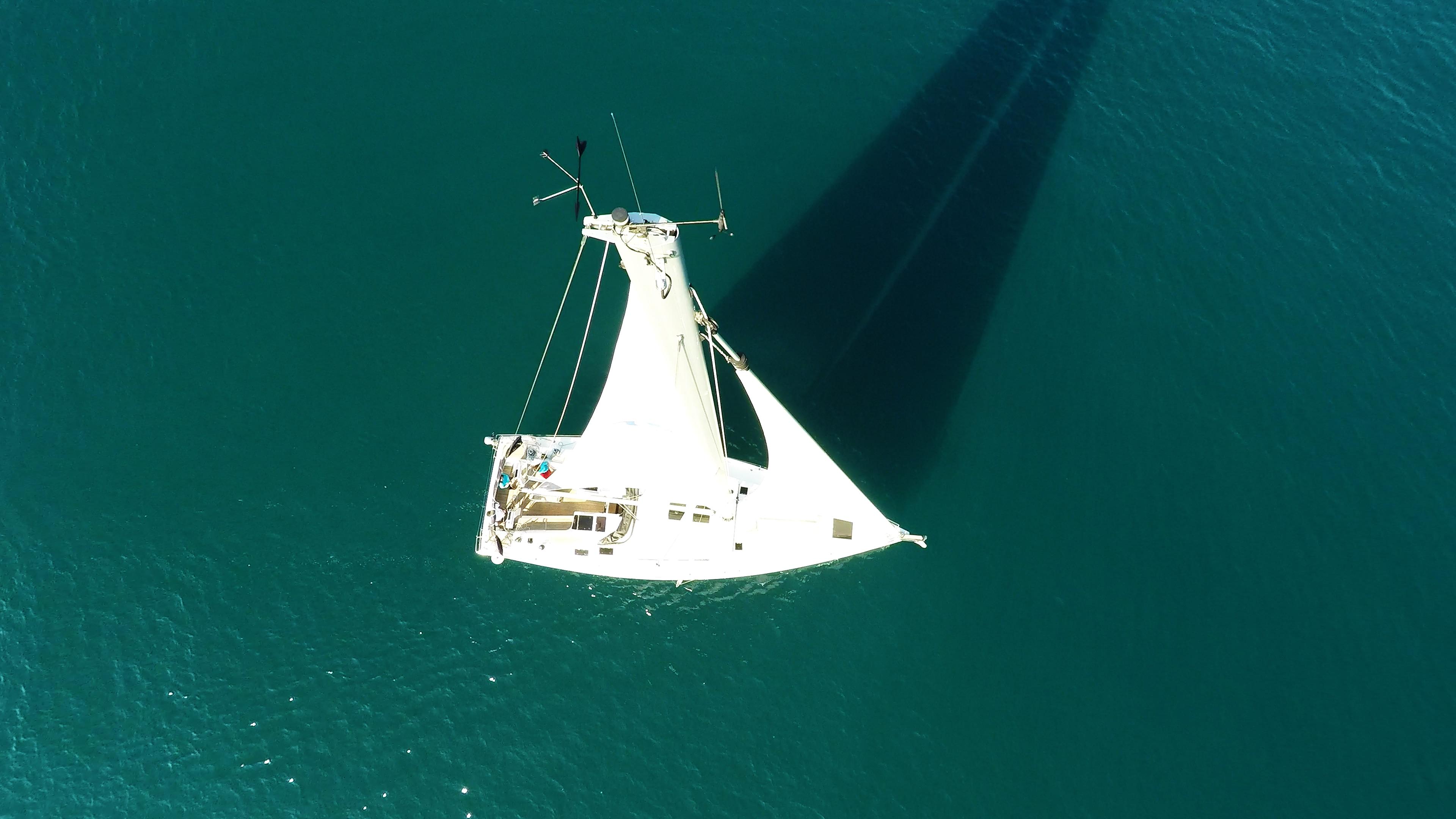 sailing yacht top mast wind indicator sailing yacht Hanse 505 deck rigging main sail genoa cockpit